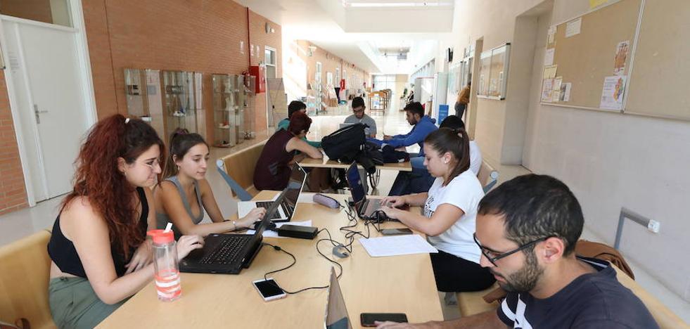 La Junta plantea extender a la Uned la matrícula gratis por aprobar asignaturas