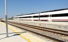 El tren Madrid-Llerena sale con 50 minutos de retraso originando la espera de 36 viajeros