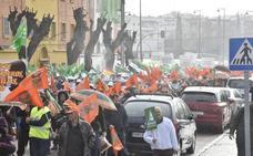 Dos mil agricultores se manifiestan en Badajoz para exigir precios dignos