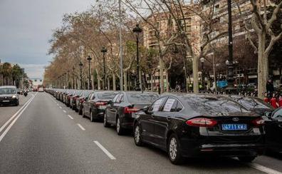 Uber y Cabify anuncian que se marchan de Barcelona