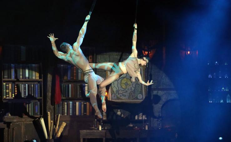 El 'Circo Mágico' llena de fantasía el Palacio de Congresos de Mérida