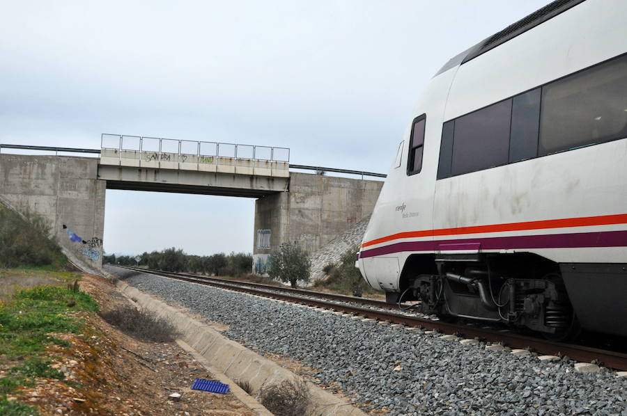 Una nueva avería en el tren Puertollano-Badajoz obliga a trasladar a viajeros por carretera