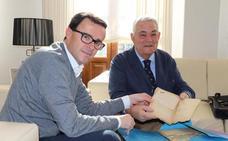 El archivo municipal de Villanueva se incrementa gracias a una donación particular