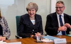 May y Juncker se citan para buscar una salida al 'brexit'