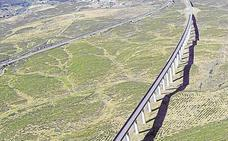 Autorizan dos subestaciones eléctricas en Mérida y Casas de Millán para dar suministro al tren de alta velocidad
