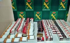 La Guardia Civil localiza dos tiendas de Almendralejo que vendían tabaco de contrabando
