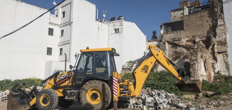 Comienza la excavación del solar de la futura sede de la Fundación CB