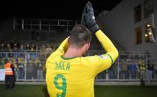 La familia de Sala «comienza el duelo» y el fútbol rinde homenaje al malogrado jugador