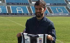 El Badajoz ya domina el arte del juego sin balón
