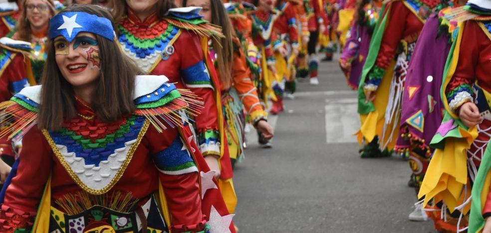 Tambores de fiesta en el barrio de Santa Marina de Badajoz