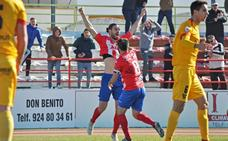 Don Benito y Almería B, cara a cara por la permanencia