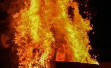 Arde el marimanta en el barrio pacense de Santa Marina