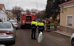 Cortan una calle del barrio pacense de San Roque tras la caída de un cable