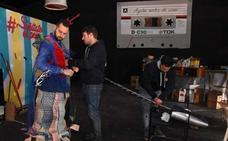El Carnaval de Cádiz abre la puerta a los artesanos pacenses
