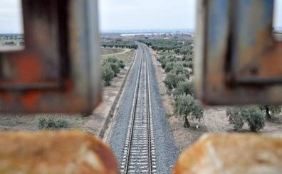 Critican el estado de las traviesas en la red ferroviaria regional