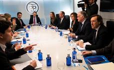 El PP considera un «farol» de Sánchez la amenaza de un posible adelanto