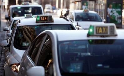 Los taxistas se levantan de la mesa del Comité Madrileño del Transporte porque es un «insulto» y una «farsa»