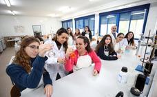 Día de la Mujer y la Niña en la Ciencia en los colegios de Mérida
