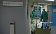 Sanidad quiere convocar 324 plazas de médicos de 38 especialidades en Extremadura