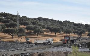 Adif licita obras complementarias en tres tramos del AVE extremeño por 9,1 millones