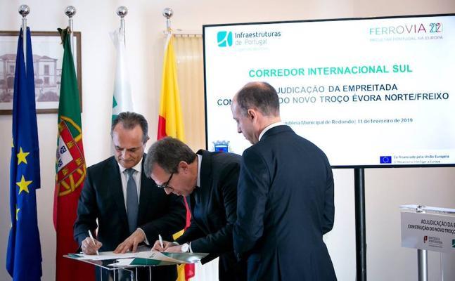 Portugal adjudica el primer tramo de la línea ferroviaria entre Évora y Caya