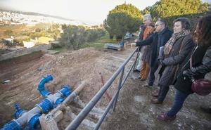 Canal se compromete con la alcaldesa de Cáceres a reanudar las obras de la red de agua