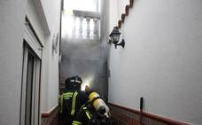 La cocina de una vivienda en la calle San Pedro de Monesterio se incendia