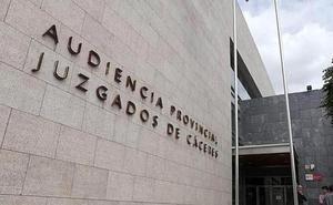 La Audiencia de Cáceres juzga a un padre acusado de abusar sexualmente de su hijo