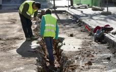 Aparecen restos humanos en San Juan durante la obra de remodelación de la plaza cacereña