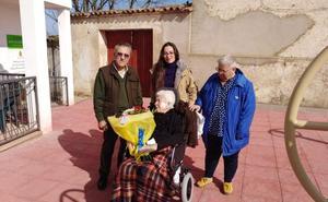 Araceli Baltar Sanjuan, de Millanes, cumple un siglo de vida