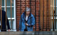 Los diputados británicos quieren arrebatar a May la dirección del país