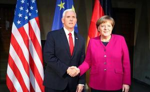 Merkel advierte que «Europa tiene enemigos» y señala a Rusia y Steve Bannon