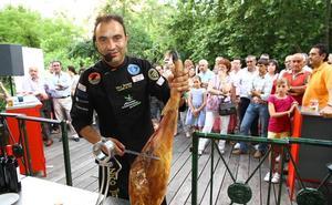 Mérida acoge esta tarde el funeral por el cortador de jamón Nico Jiménez