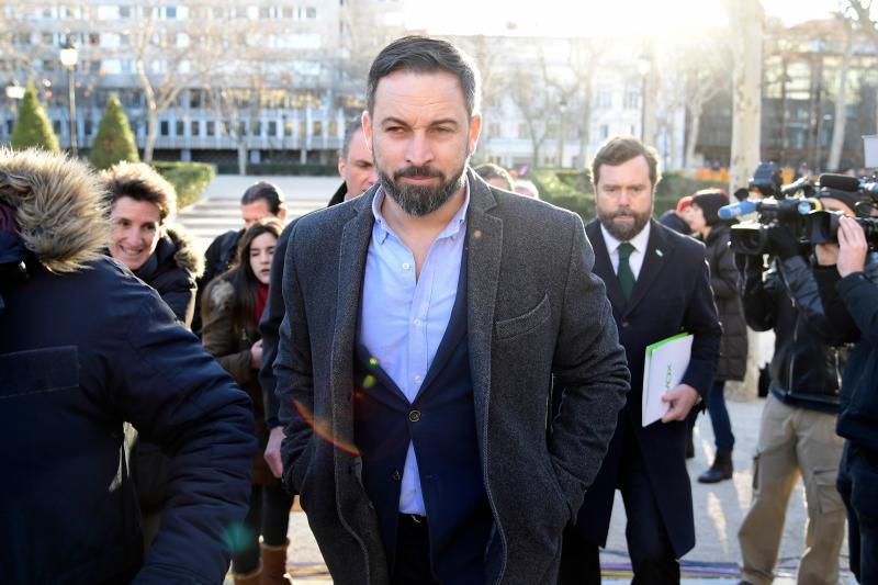 Abascal amenaza con no votar los presupuestos andaluces si no se deroga la Ley de Memoria Histórica