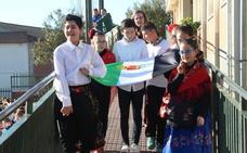 El colegio Gregoria Collado de Jaraíz celebra el día escolar de la región y del centro