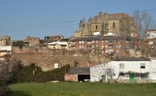 El Ayuntamiento de Plasencia estudia la compra del colegio del Río para frenar su deterioro
