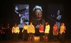 La obra 'Ellas, en movimiento', se pone en escena en la emeritense Sala Trajano