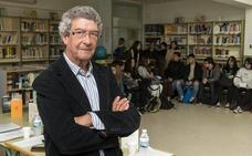 El poeta Santos Domínguez en el IES Virgen del Puerto de Plasencia