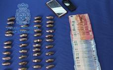 Detenida en Badajoz una mujer embarazada con 43 óvulos de hachís en su organismo