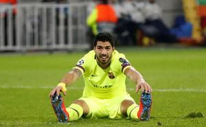 El Barça se pelea con el gol en el peor momento