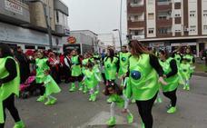 Desfile infantil, tamborada y cuatro comparsas en carnaval