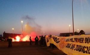 Los piquetes de los CDR y los cortes de carretera marcan el inicio de la huelga general en Cataluña