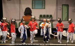'El Coleccionista de Alegrías' y 'Los Maravilla' brillan con sus voces en una semifinal equilibrada del Carnaval Romano