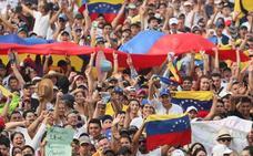 Miles de personas asisten al concierto Venezuela Aid Live