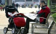 El Gobierno elevará el permiso de paternidad a 16 semanas por decreto ley