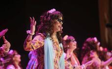 La Marara se crece como el camalote y se mete al público en el bolsillo en una tercera semifinal del Carnaval Romano