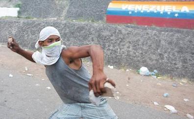 La ayuda humanitaria para Venezuela regresa a Cúcuta tras los desórdenes