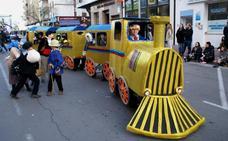 El Carnaval de Navalmoral quiere reunir a 500 'jefes de estación' para reivindicar un tren digno