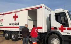 Medio Ambiente entrega un camión para emergencias a Cruz Roja