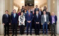 Sánchez obvia la reforma laboral pero apuesta por proteger a los 'riders'
